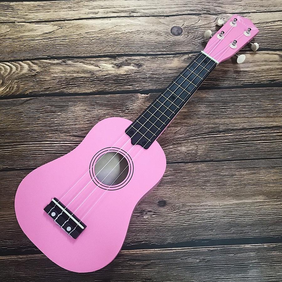 dan ukulele soprano ares 02