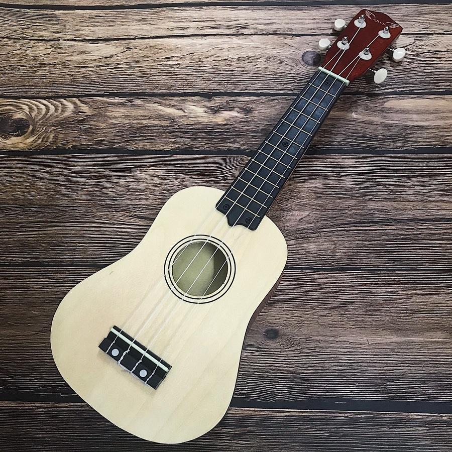 dan ukulele soprano ares 03