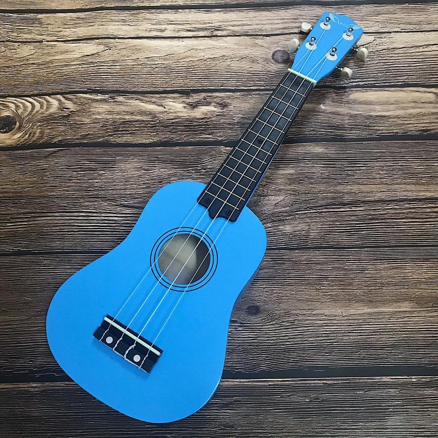 dan ukulele soprano ares 06